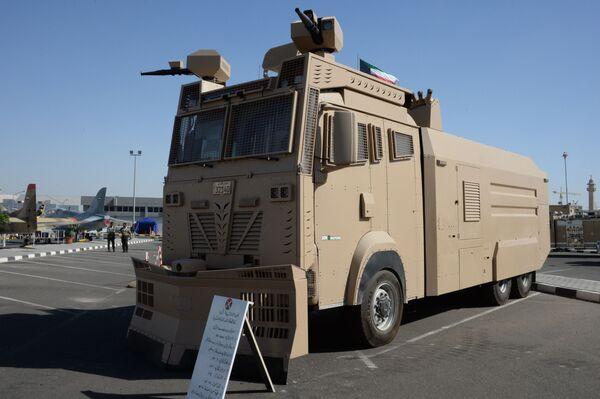 Pojazd do rozganiania protestujących Titan - Sputnik Polska