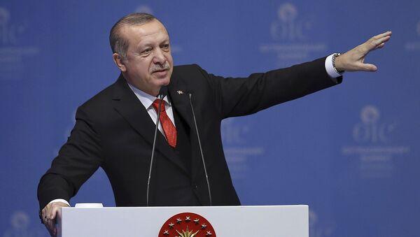 Prezydent Turcji Recep Tayyip Erdogan na nadzwyczajnym szczycie Organizacji Współpracy Islamskiej w Stambule - Sputnik Polska