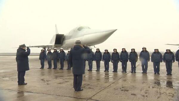Tu-22M3 po zakończeniu operacji Sił Powietrzno-Kosmicznych Federacji Rosyjskiej w Syrii wróciły do obwodu murmańskiego - Sputnik Polska