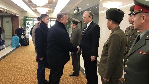 Delegacja Ministerstwa Obrony Rosji podczas wizyty w Pjongjangu, KRLD - Sputnik Polska