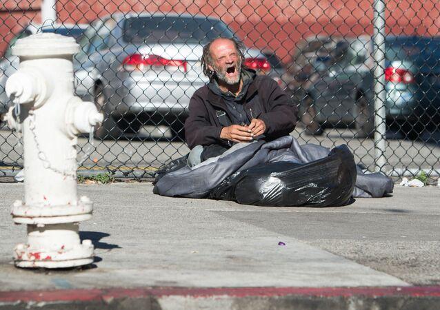 Bezdomny na jednej z ulic San Francisco