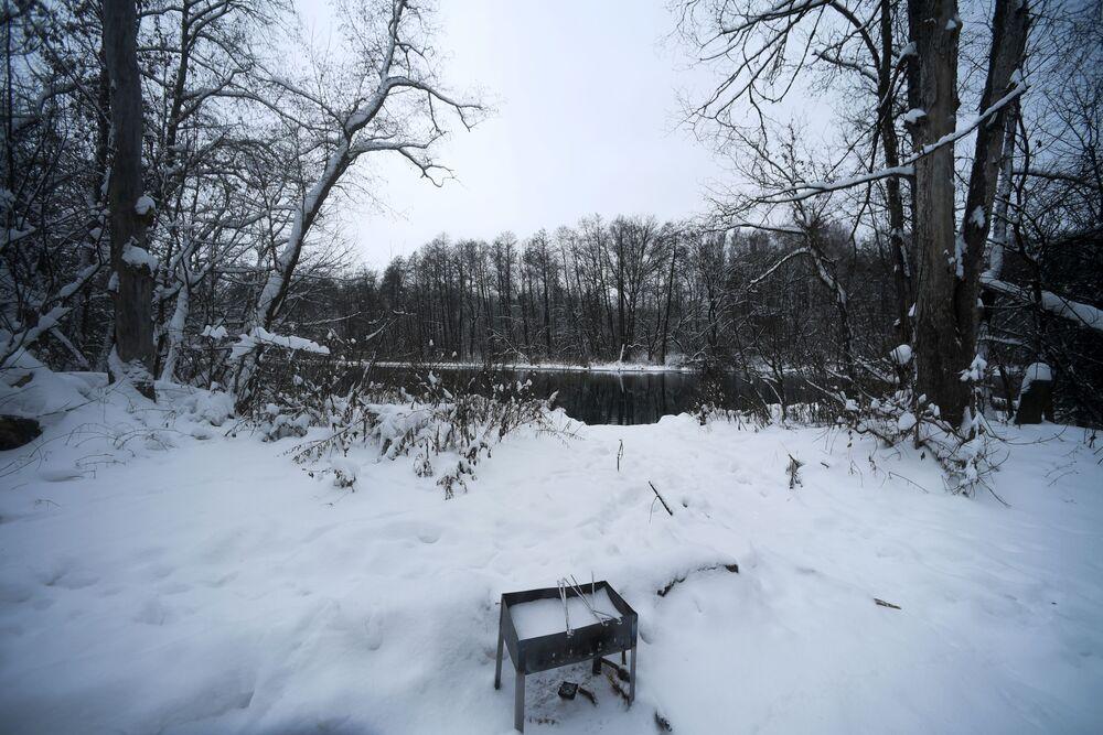 Woda w zbiornikach jest lodowata o każdej porze roku. Jej temperatura latem wynosi 5-7 stopni Celsjusza, a zimą 3-4.