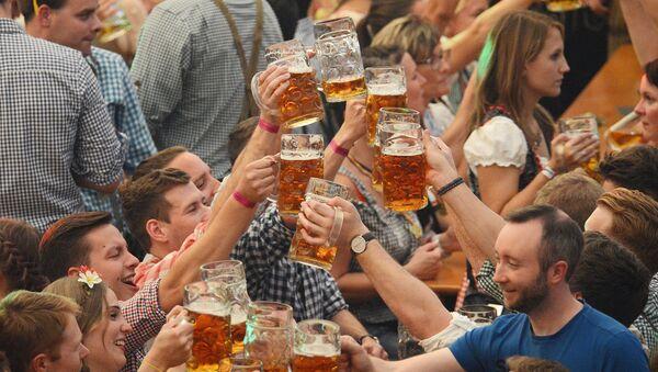 Festiwal piwa Octoberfest w Monachium. - Sputnik Polska