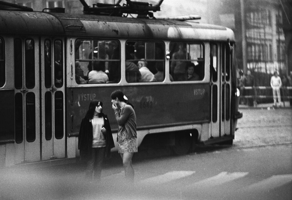 Na ulicach Pragi w 1968 roku podczas trwania okresu Praskiej Wiosny.