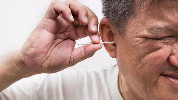 Pałeczki do uszu niebezpieczne dla zdrowia - Sputnik Polska