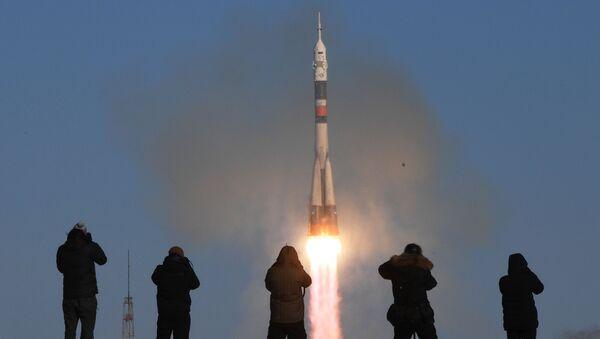 Rakieta nośna Sojuz-FG ze statkiem załogowym Sojuz MS-07 wystartowała z kosmodromu Bajkonur - Sputnik Polska