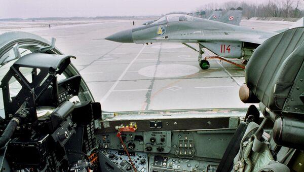 Myśliwiec MiG-29 Polskich Sił Powietrznych na lotnisku w Mińsku Mazowieckim. Zdjęcie archiwalne - Sputnik Polska