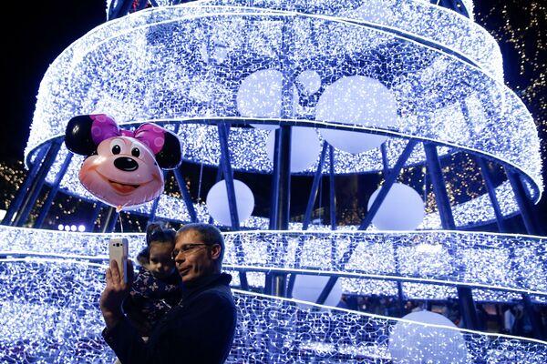 Świąteczne iluminacje w Grecji - Sputnik Polska