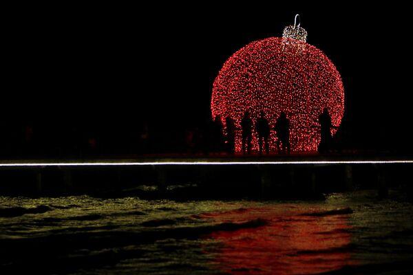 Świąteczne iluminacje na Cyprze - Sputnik Polska