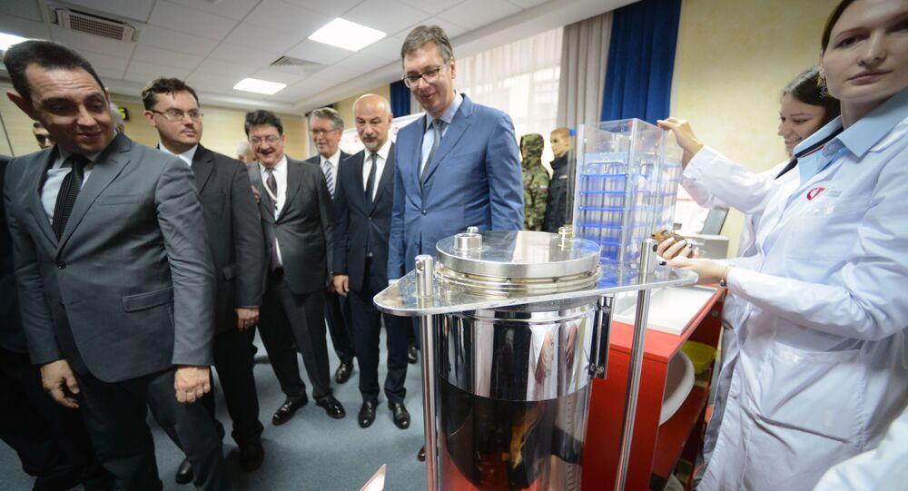 Prezydent Serbii Aleksandar Vučić podczas wizyty w Funduszu Badań Perspektywicznych