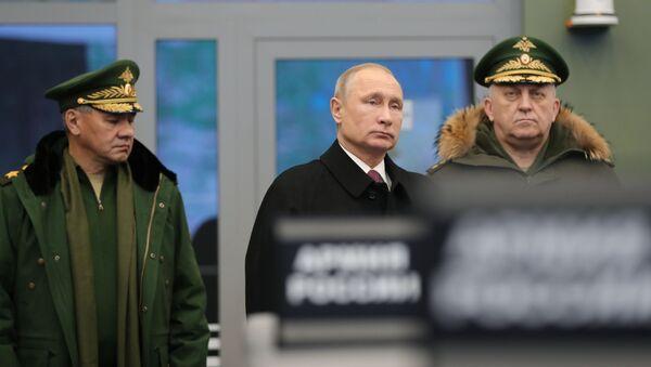 Prezydent Rosji Władimir Putin w czasie wizytacji Wojskowej Akademii Wojsk Rakietowych Przeznaczenia Strategicznego im. Piotra Wielkiego - Sputnik Polska