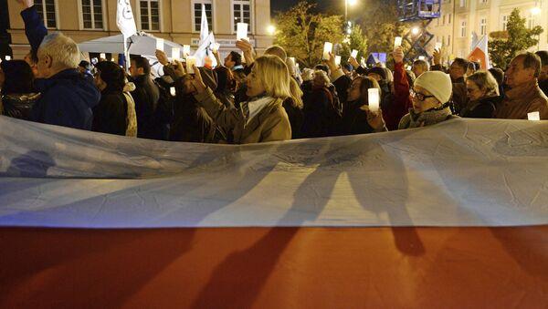 Manifestacje przeciwko reformie sądowej w Warszawie - Sputnik Polska