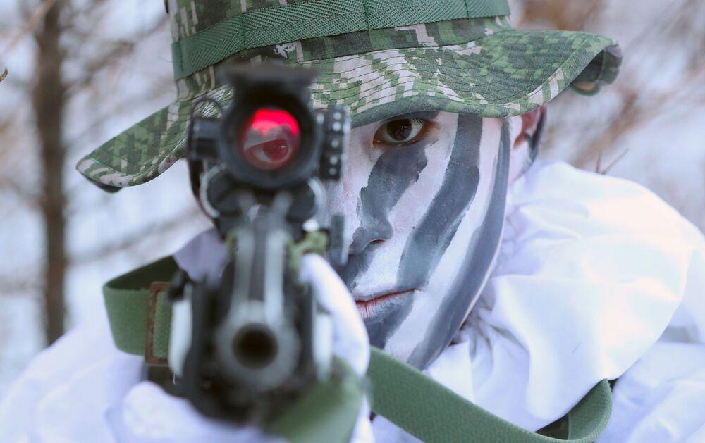 Trzytygodniowe treningi wojskowe rozpoczęły się 4 grudnia.