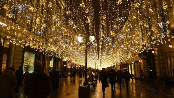 Iluminacje świetlne na ulicach Moskwy - Sputnik Polska