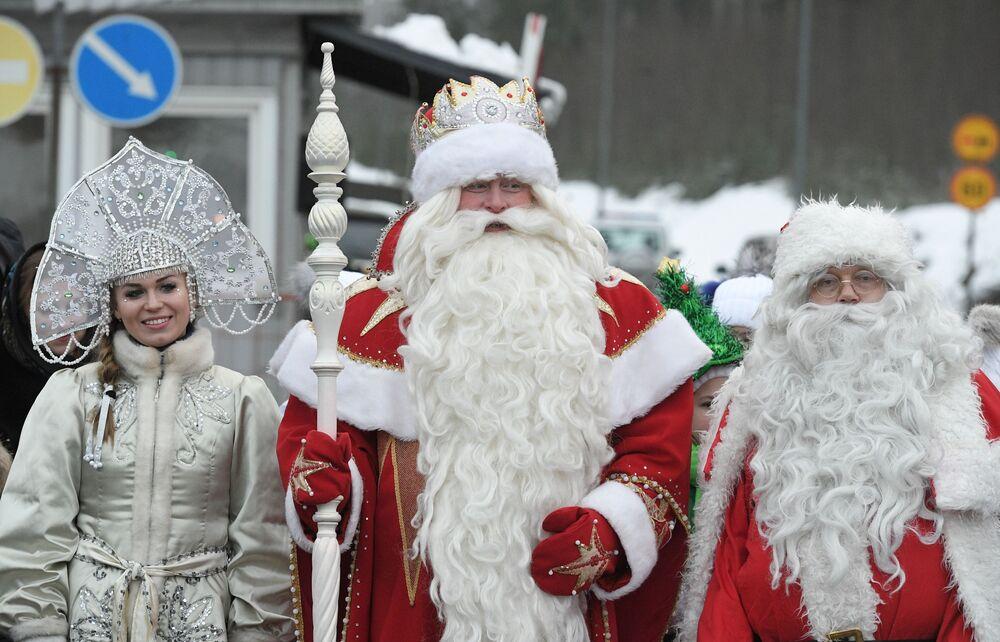 Dziadek Mróz i Śnieżynka na przejściu granicznym Brusnicznoe