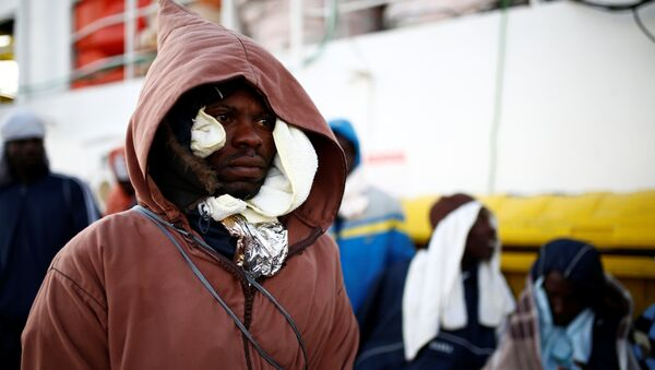 Migrant we Włoszech - Sputnik Polska