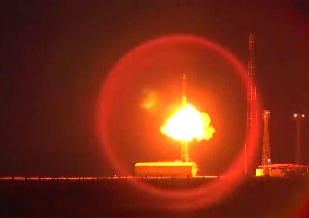 W Rosji przeprowadzono próbę międzykontynentalnej rakiety Topol