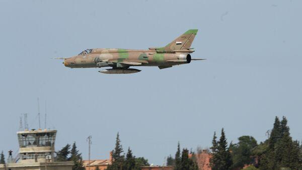 Syryjski samolot przy bazie Szajrat - Sputnik Polska