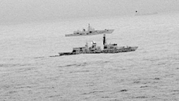 Brytyjska fregata St. Albans i rosyjska fregata Admirał Gorszkow - Sputnik Polska