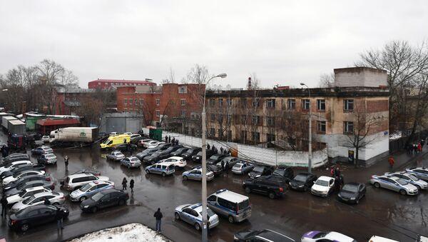 Policja i pogotowie na ulicy Iłowajskiej w Moskwie, gdzie doszło do strzelaniny - Sputnik Polska