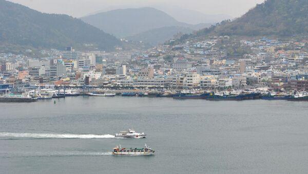 Widok na port południowokoreańskiego miasta Josu - Sputnik Polska