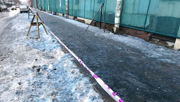 Niebieski śnieg w Petersburgu - Sputnik Polska