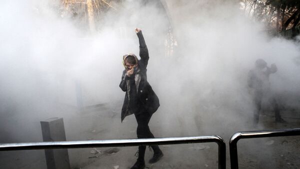 Antyrządowe protesty w Teheranie - Sputnik Polska
