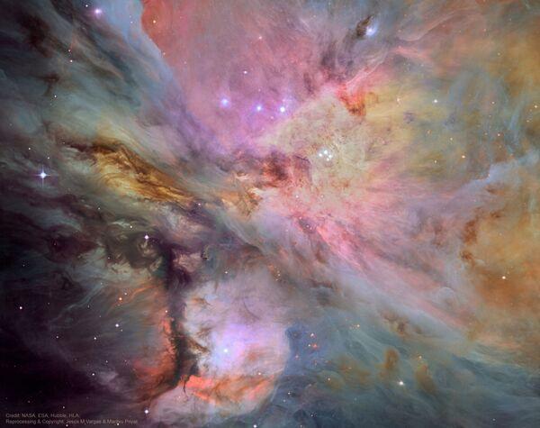 Orbitalne obserwatorium Hubble w tym roku otrzymało najbardziej szczegółowe fotografie mgławicy Oriona. - Sputnik Polska