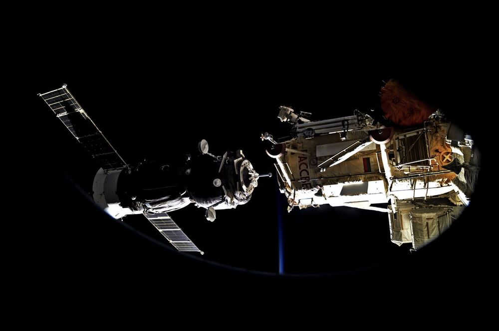 Cumowanie Sojuz MS-05 na Międzynarodowej Stacji Kosmicznej 31 lipca 2017 roku.