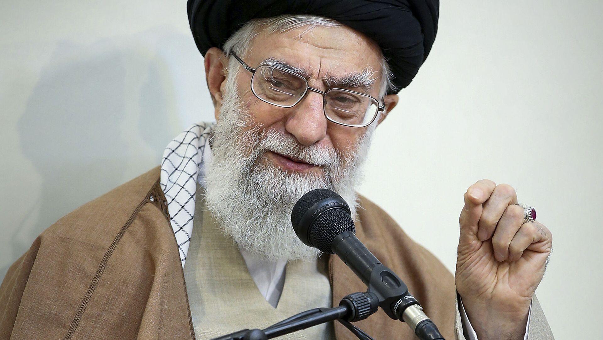 Najwyższy Przywódca Iranu ajatollah Ali Chamenei - Sputnik Polska, 1920, 02.05.2021