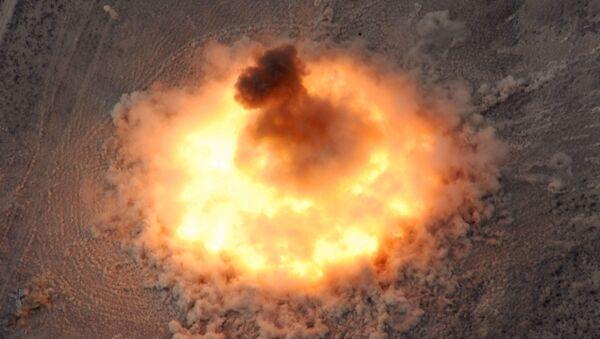 Detonacja BLU-82 - Sputnik Polska