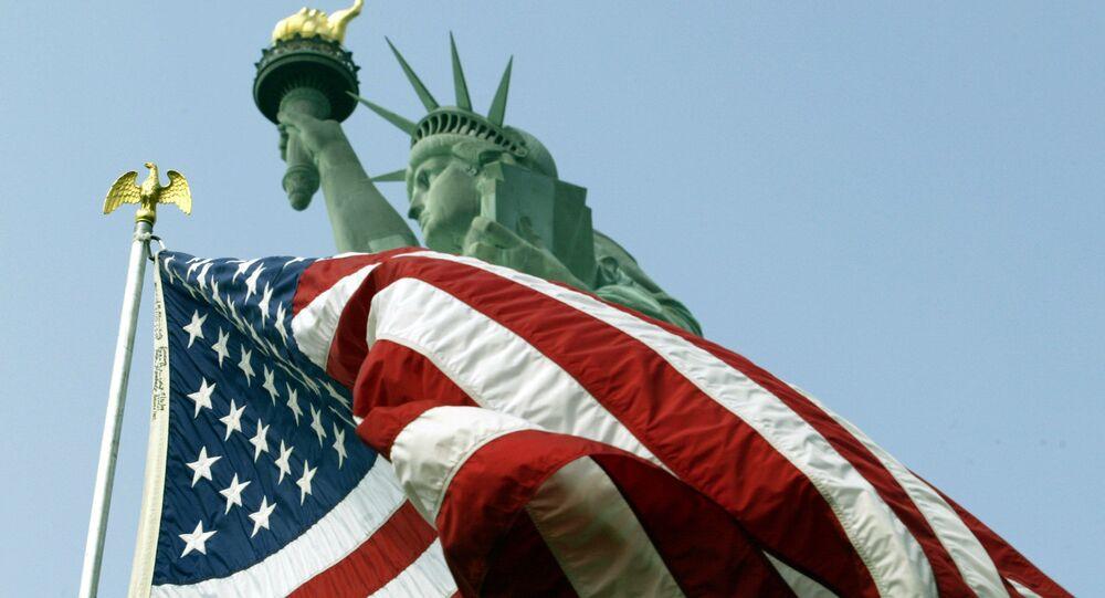 Flaga USA i Statua Wolności