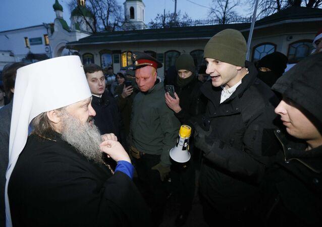 Ukraińscy nacjonaliści zablokowali Ławrę Kijowsko-Peczerską