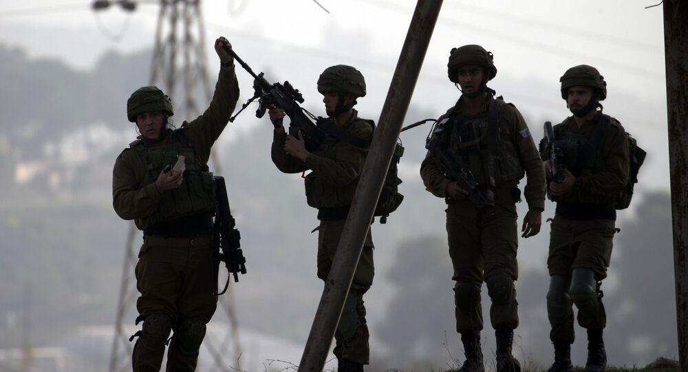 Izraelscy żołnierze na Zachodnim Brzegu rzeki Jordan w regionie Nablusa