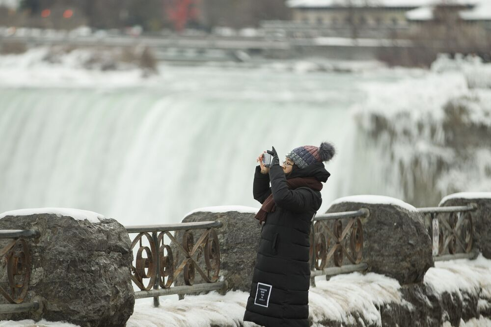 Wodospad Niagara zimową porą