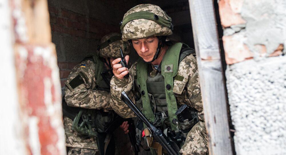 Ukraińscy piechurzy morscy podczas ćwiczeń wojskowych. Zdjęcie archiwalne