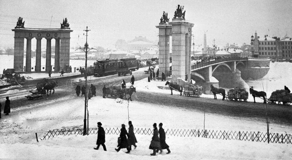 Most Borodiński w Moskwie, 1925 rok