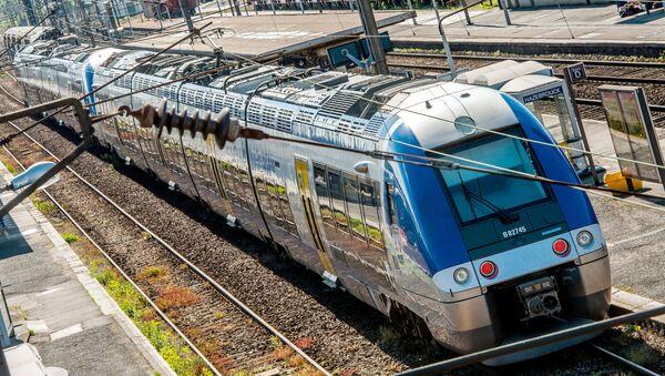 Pociąg SNCF (TER), Francja - Sputnik Polska