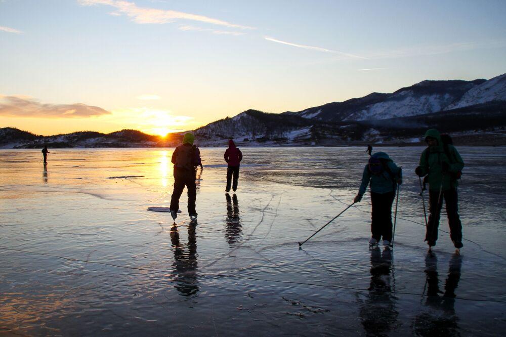 Lód na jeziorze Bajkal
