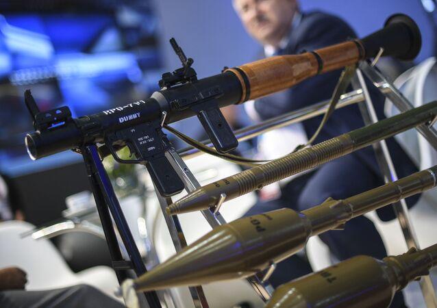 """Ręczny granatnik przeciwpancerny RPG-7W1 na Międzynarodowym Forum Wojskowo-Technicznym """"Armia 2016"""""""