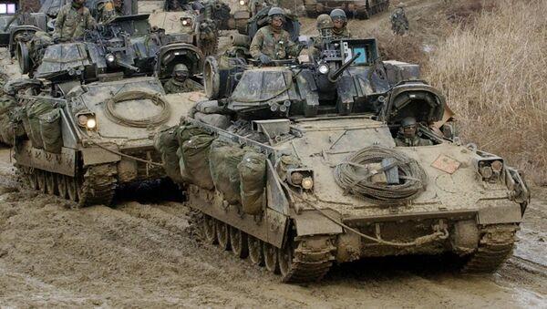 Amerykańskie wozy bojowe piechoty Bradley - Sputnik Polska