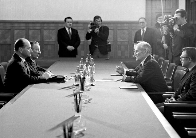 Premier ZSRR Nikołaj Tichonow i  przewodniczący Rady Państwa PRL general Wojciech Jaruzelski podczas rozmów na Kremlu, rok 1981