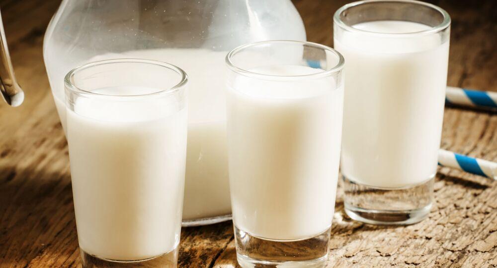 Mleko w szklankach