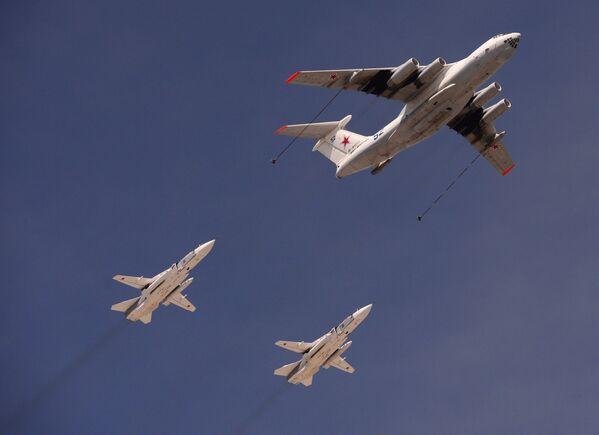 Ił-78 i Su-24 - Sputnik Polska