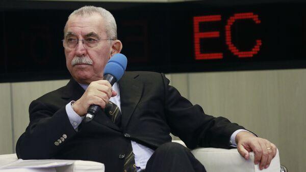 Włoski dziennikarz i działacz społeczny, były deputowany Europarlamentu Giulietto Chiesa - Sputnik Polska