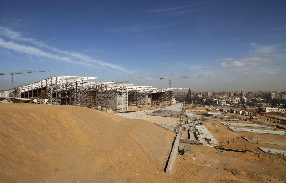 Otwarcie dla zwiedzających pierwszych sal Wielkiego Muzeum Egipskiego w Gizie zaplanowano na maj 2018 roku.