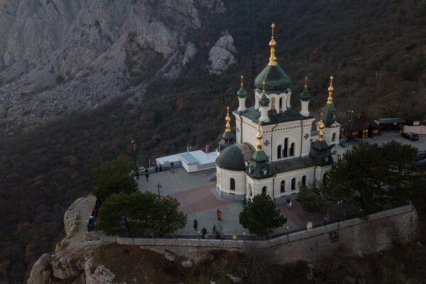 Kościół Zmartwychwstania (Foros) na Krymie - Sputnik Polska