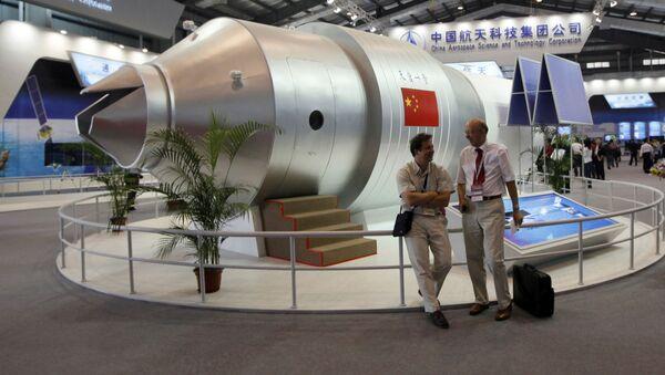 """Model chińskiego modułu orbitalnego """"Tiangong-1"""" na Międzynarodowym Pokazie Lotniczym w Chinach - Sputnik Polska"""