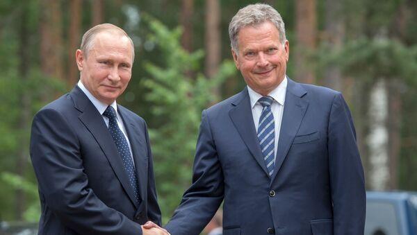 Prezydent Finlandii Sauli Niinistö na spotkaniu z prezydentem Rosji Władimirem Putinem - Sputnik Polska
