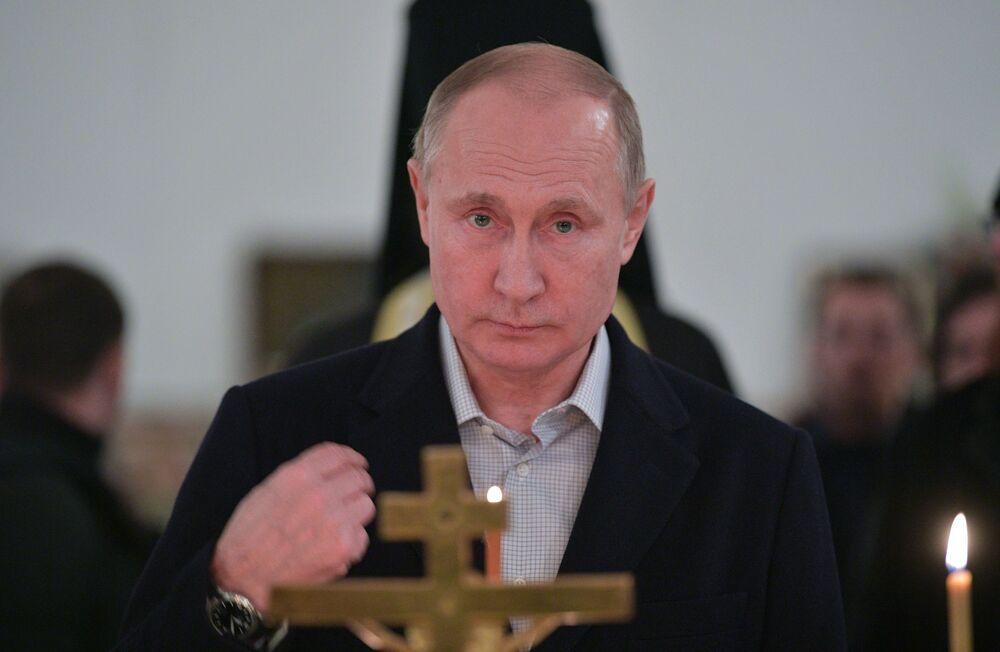 Władimir Putin odwiedził Pustelnię Niłowo–Stołobieńską (monaster męski) i uczestniczył w części liturgii z okazji Święta Chrztu Pańskiego